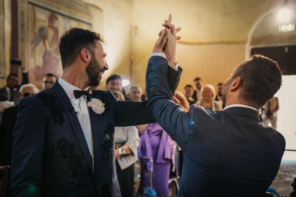 emotional wedding in la collegiata san gimignano siena