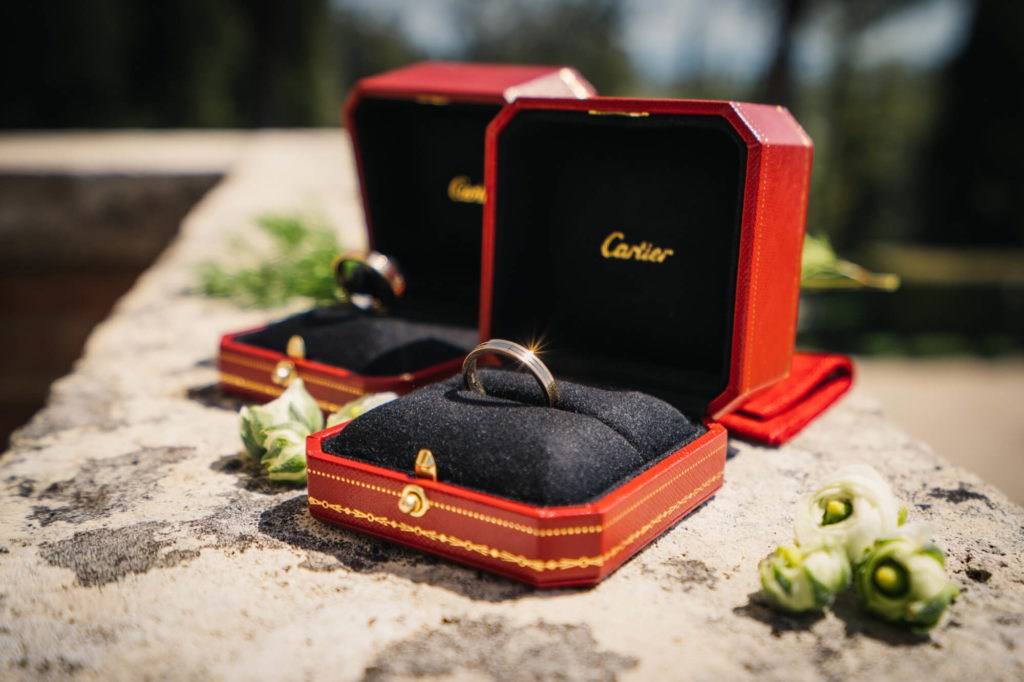 wedding rings in la collegiata san gimignano siena