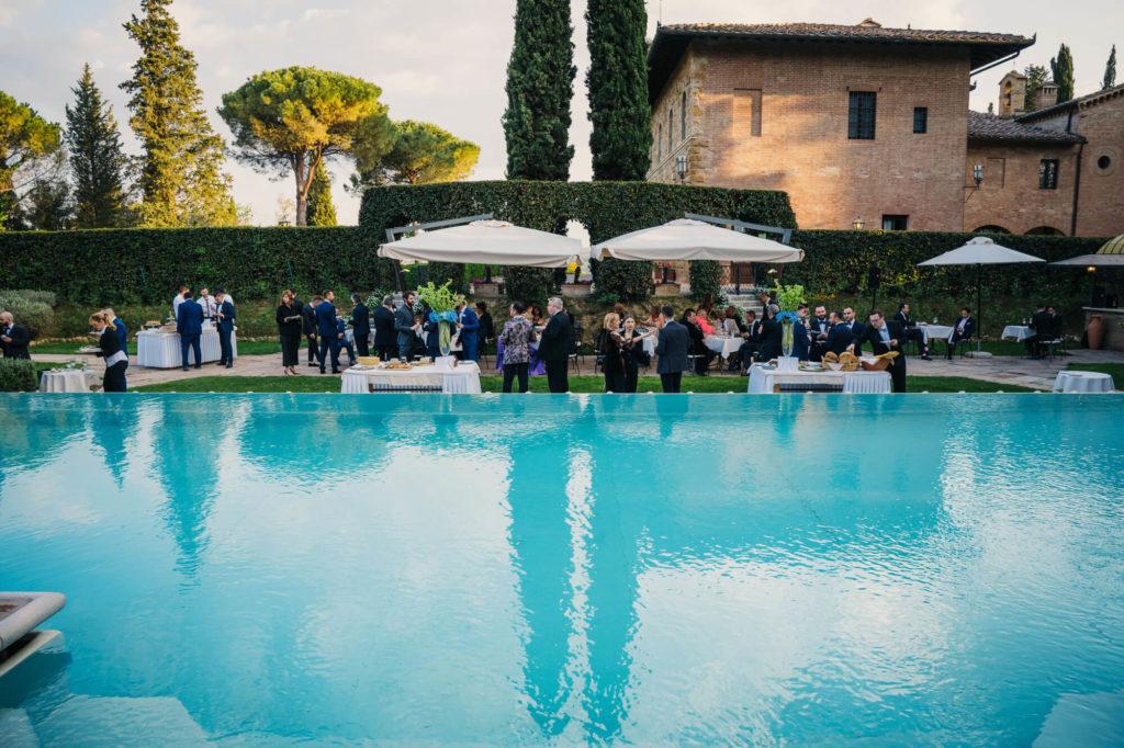 wedding party in la collegiata san gimignano siena