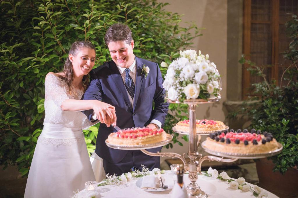 wedding cakes in castello vicchiomaggio greve in chianti florence