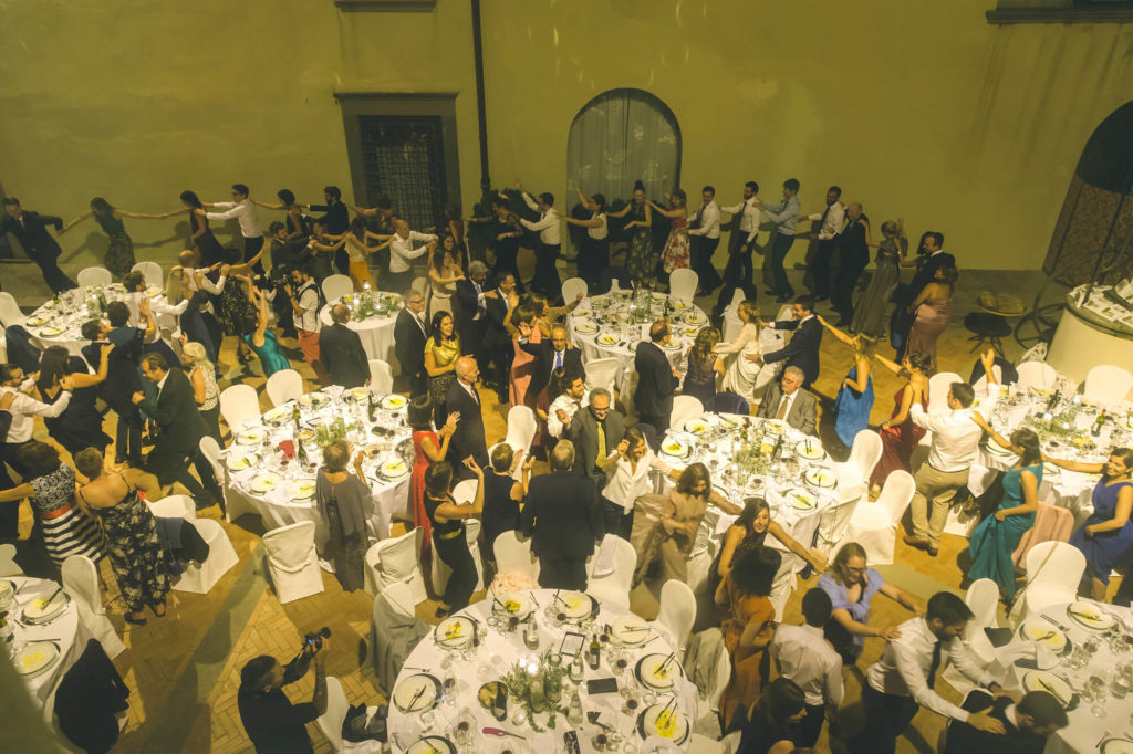 wedding party in villa mocale san casciano florence