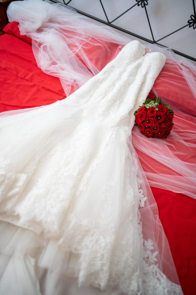 bride dressing in poggio alla selva calenzano florence