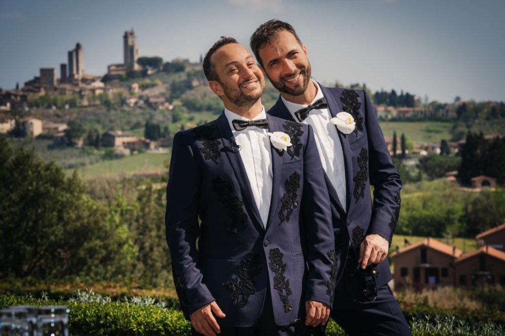 outdoor wedding in la collegiata san gimignano siena
